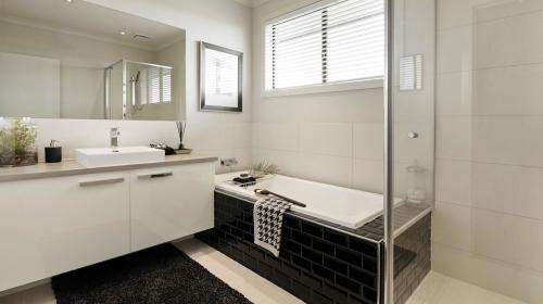 salle-bain-noir-blanc-carrelage-metro.jpg