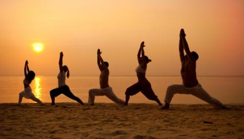 Yoga-Class-Beach-660.jpg